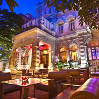 Colombo heritage hotels, Casa neon at night