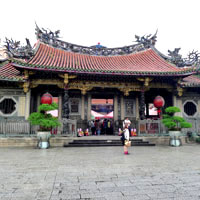 Taipei fun guide, Lungshan Temple