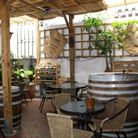 Taipei bars and nightlife guide, Living Bar Cafe