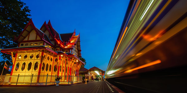 Hua Hin fun guide and top spa resorts - the characterful vintage railway station