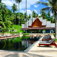 Phuket luxury resorts, Amanpuri's signature black tile pool