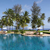 Khao Lak family resorts, Le Meridien beach front pool