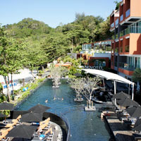 Phuket resorts review, Novotel Kamala is right on the beach