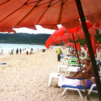 Phuket fun guide, packed Patong Beach