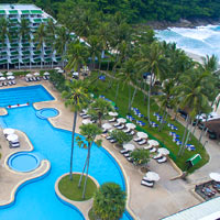 Phuket resorts review, Le Meridien has a private beach and huge swimming pools