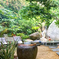 Tamarind Springs offers natural herbal springs and steam baths along with one rock in Samui