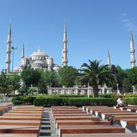 Istanbul hotels review and guide, the magnificent Blue Mosque