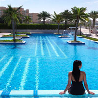 Abu Dhabi conference hotels, Fairmont Bab Al Bahr pool