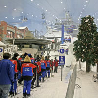 Dubai fun guide, ski downhill in the Mall of the Emirates