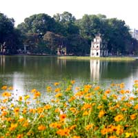 Hanoi guide, romantic Hoan Kiem Lake