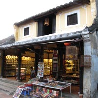 Hoi An guide, old reconverted shophouse