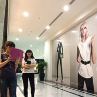 Saigon shopping oves upscale in the new shopping malls and galleries