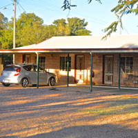 Outback adventures and bush hotels, Western Star Motel