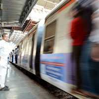 Mumbai fun guide, trains can get packed