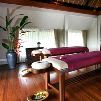 Bali spa resorts review, Kamandalu treatment room