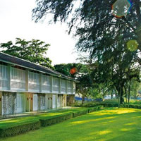 Penang resorts review, Lone Pine green lawns, a boutique hotel option