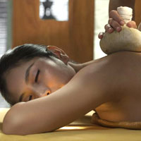 Mandarin Oriental spa Bangkok, hot poultices and compresses